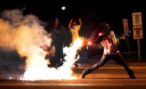 Violence-erupts-ferguson-missouri